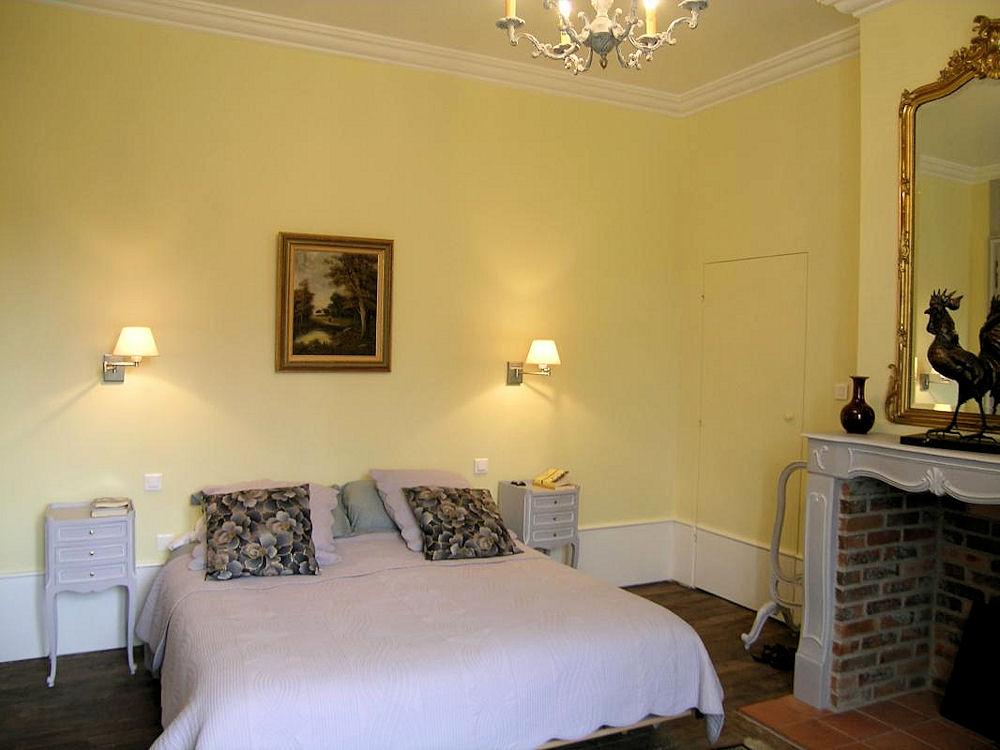 Chambre d 39 h tes ch teau de sallebrune chambres d 39 h tes beaune d 39 allier bourbonnais - Chambre d hote savigny les beaune ...