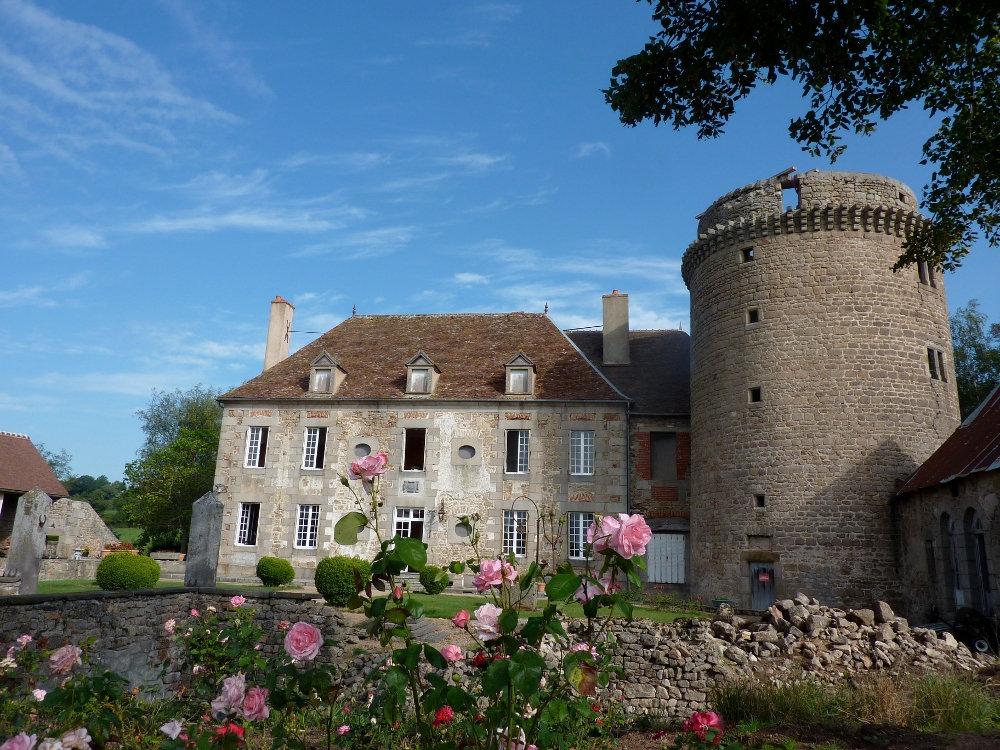 Chambre D Hotes Chateau De Sallebrune Chambre Beaune D Allier