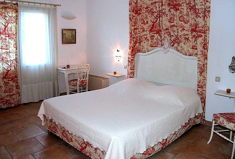Chambres d 39 h tes le mas du loup chambres moustiers - Chambre d hotes moustiers sainte marie ...