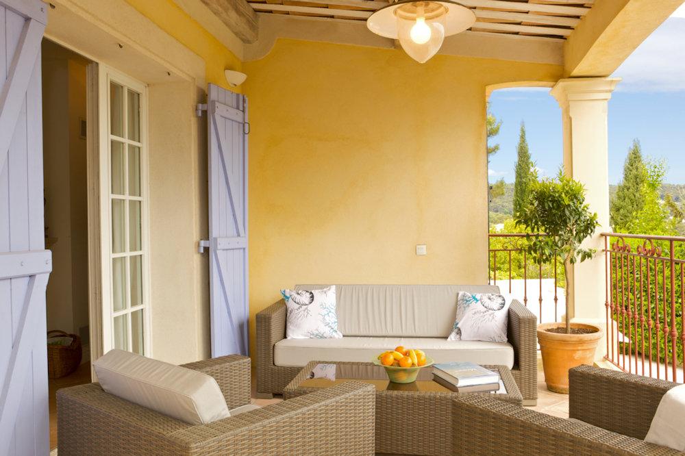 chambres d 39 h tes villa le port d 39 attache chambres vallauris dans les alpes maritimes 06 5. Black Bedroom Furniture Sets. Home Design Ideas