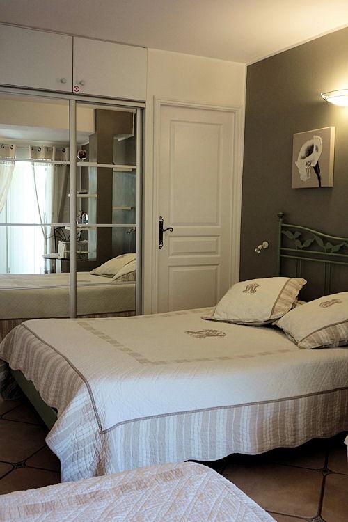 chambres d 39 h tes le mas des amandiers chambres d 39 h tes saint paul de vence. Black Bedroom Furniture Sets. Home Design Ideas