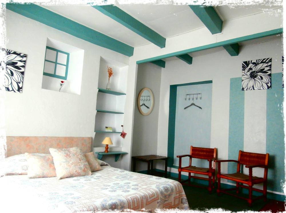 chambres d 39 h tes la maison du manoir vallon pont d 39 arc ard che chambres vallon pont d 39 arc. Black Bedroom Furniture Sets. Home Design Ideas
