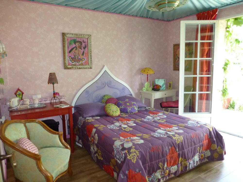 chambres d 39 h tes la vigne chambres d 39 h tes s bazac concour s causse comtal rodez. Black Bedroom Furniture Sets. Home Design Ideas