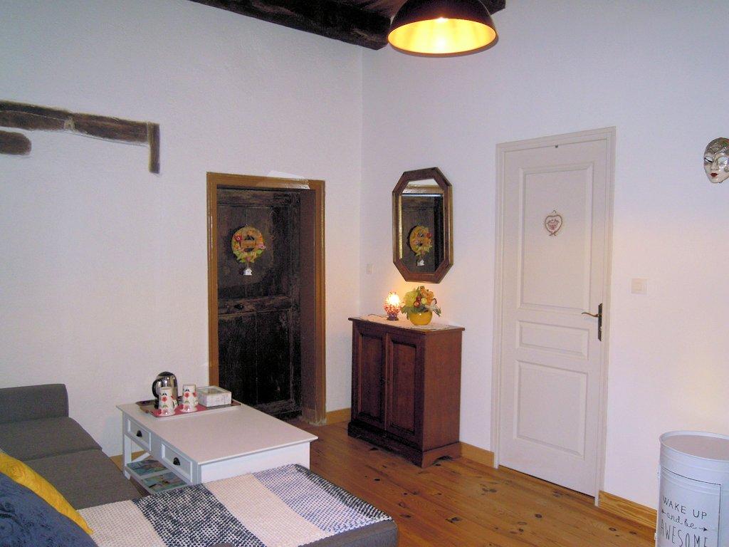 chambre d 39 h tes la calmontoise chambre calmont dans l 39 aveyron 12 s gala aveyronnais. Black Bedroom Furniture Sets. Home Design Ideas