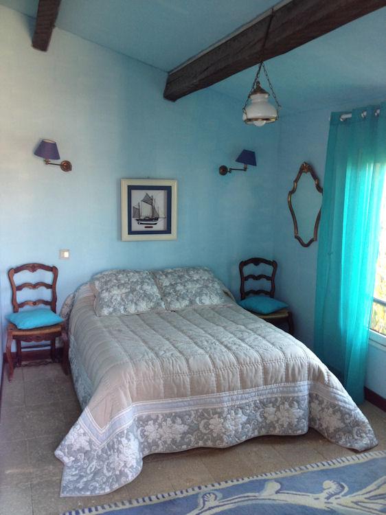chambres d 39 h tes villa du lac bed breakfasts marseille. Black Bedroom Furniture Sets. Home Design Ideas