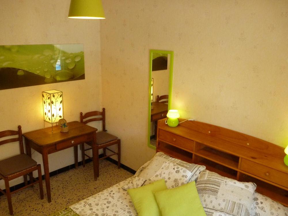 Chambres d 39 h tes le 13 original chambres saint for Chambre d hote rousset 13