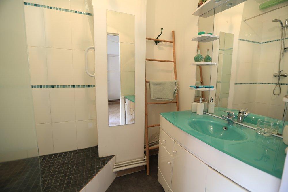 chambres d 39 h tes les citronniers chambres d 39 h tes marseille provence. Black Bedroom Furniture Sets. Home Design Ideas