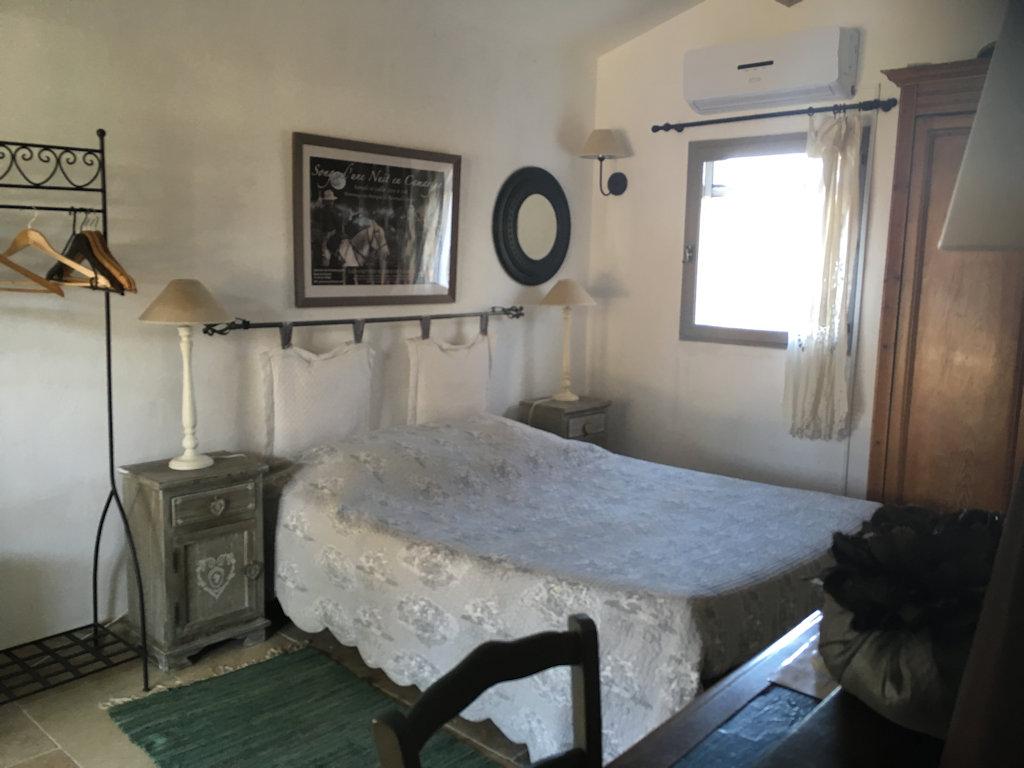 Chambre d 39 h tes mas de l 39 esquirou chambres d 39 h tes les - Chambre d hotes saintes marie de la mer ...