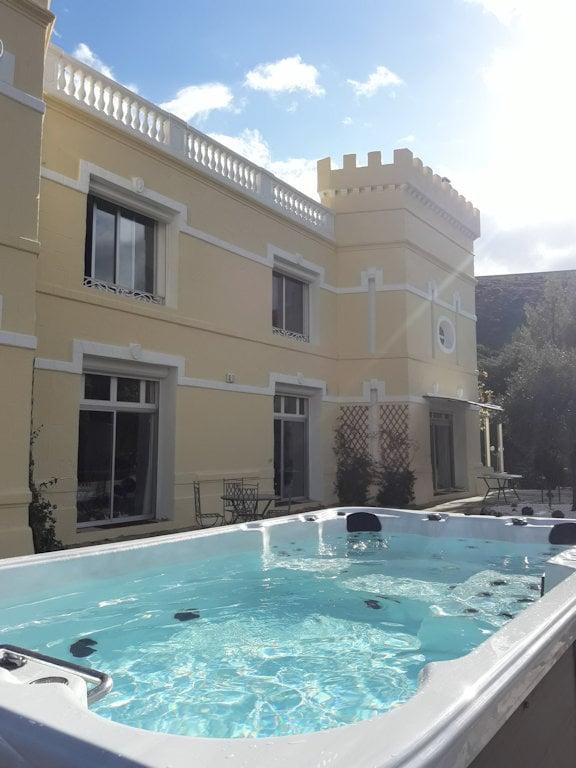 Gästezimmer Château de l\'Aroumias, Zimmern, suite und ...