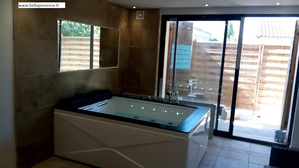 Journée spa avec Jacuzzi privatif dans la chambre sauna ...
