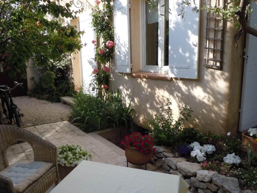 Chambres d 39 h tes la tonnelle aix en provence chambre familiale et chambre aix en provence provence - Chambre sociale aix en provence ...