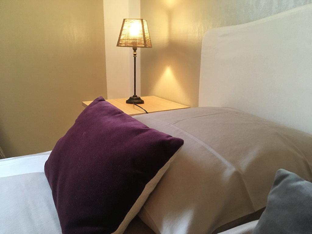 chambres d 39 h tes le pr aux daims chambres et chambre familiale saint etienne la thillaye. Black Bedroom Furniture Sets. Home Design Ideas