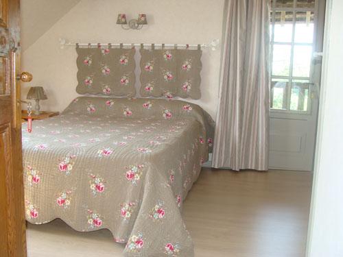 chambres d 39 h tes de la c te maillard chambres gonneville sur honfleur. Black Bedroom Furniture Sets. Home Design Ideas
