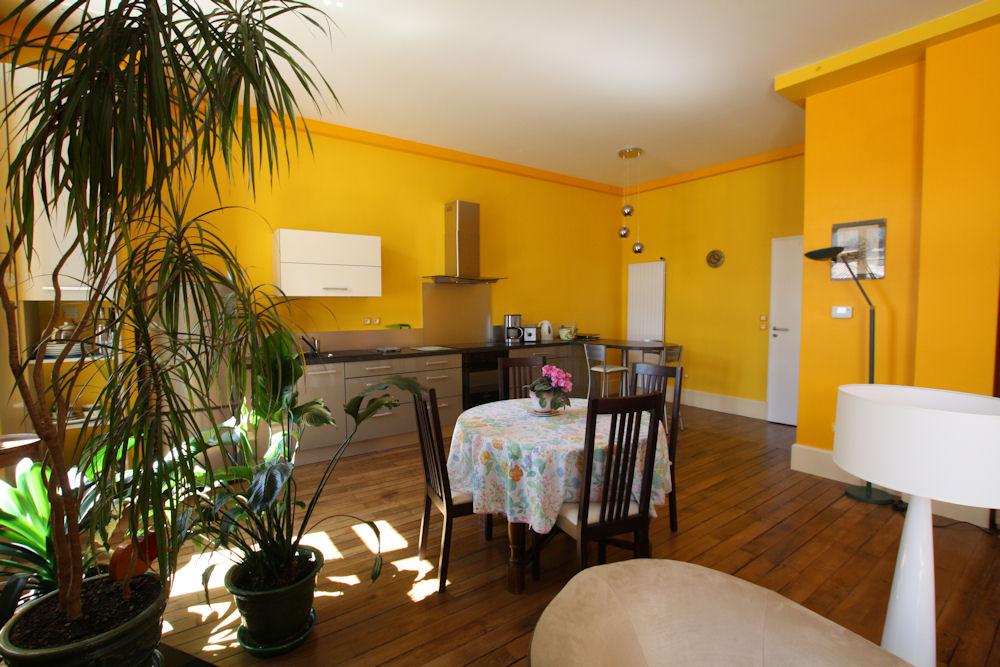 chambre d 39 h tes b b dominique chambre angoul me en charente 16 poitou charentes. Black Bedroom Furniture Sets. Home Design Ideas