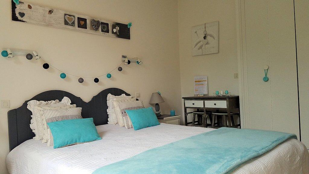 royan chambres d 39 hotes de charme mer et plage 100m habitaci n y suite familiar saint palais. Black Bedroom Furniture Sets. Home Design Ideas