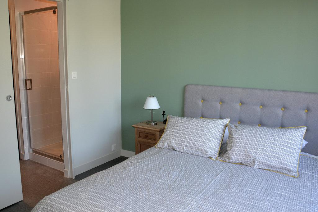 chambres d 39 h tes les 3 tilleuls suites la rochelle en charente maritime 17 la rochelle. Black Bedroom Furniture Sets. Home Design Ideas