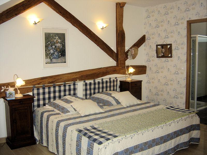chambres d 39 h tes les cistelles chambres saint nicolas l s c teaux en c te d 39 or 21 9 km de. Black Bedroom Furniture Sets. Home Design Ideas