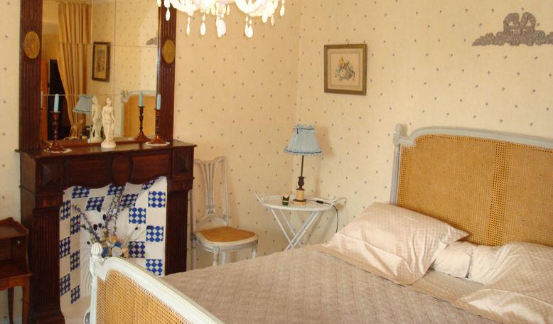 Bed breakfast maison des cl matites bed breakfasts for Chambre de commerce villefranche sur saone