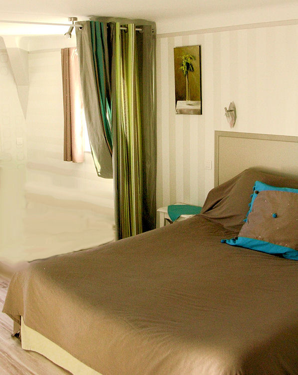chambres d 39 h tes les tilleuls chambres et suite sarlat la can da en dordogne 24 perigord noir. Black Bedroom Furniture Sets. Home Design Ideas
