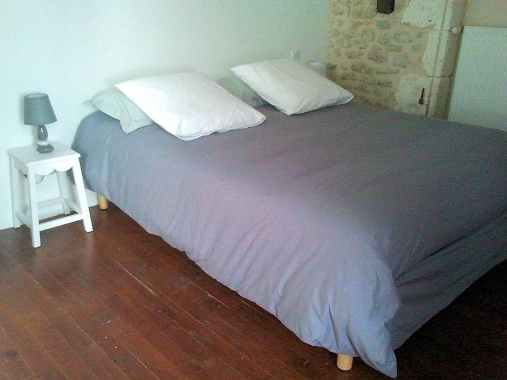 chambres d 39 h tes la grange au bois chambres d 39 h tes champagne et fontaine p rigord vert. Black Bedroom Furniture Sets. Home Design Ideas