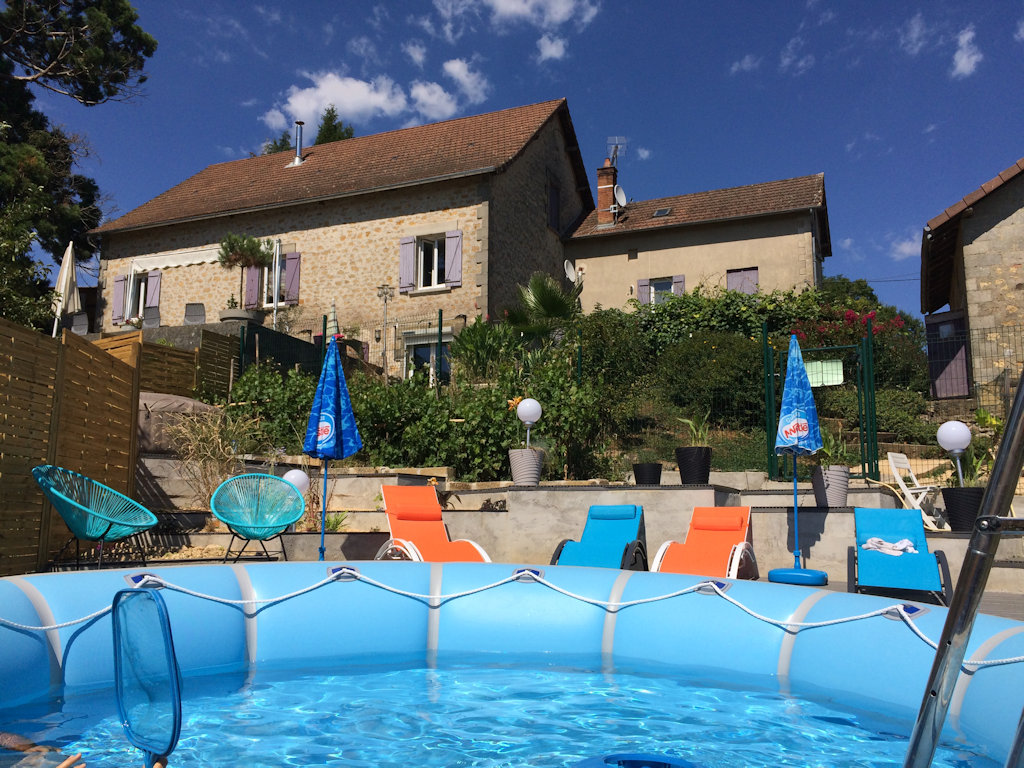 Chambres d 39 h tes les conches chambres thiviers en for Chambre d hote dordogne