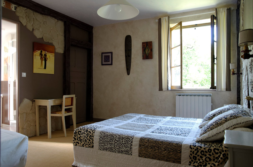 chambres d 39 h tes domaine du faget chambres nadaillac p rigord noir. Black Bedroom Furniture Sets. Home Design Ideas