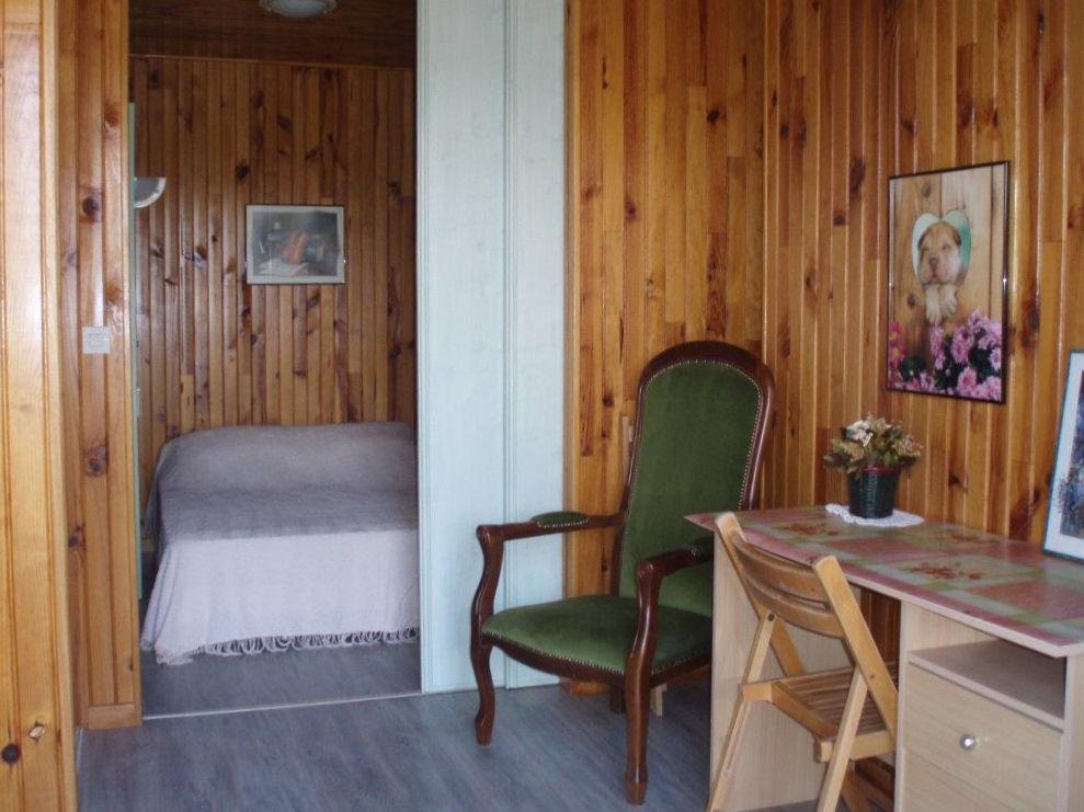 chambres d 39 h tes bienvenue aux ch taigniers chambres et suite familiale mauzens et miremont. Black Bedroom Furniture Sets. Home Design Ideas