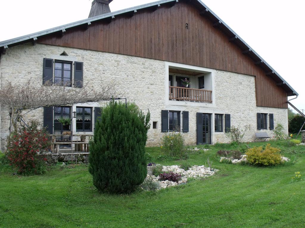 Chambres D Hotes La Fontaine Aux Oiseaux Chambre Et Suite Familiale Chevigney Les Vercel