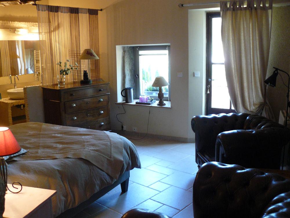 chambres d 39 h tes le clos de l 39 ambre chambres divajeu dr me proven ale. Black Bedroom Furniture Sets. Home Design Ideas