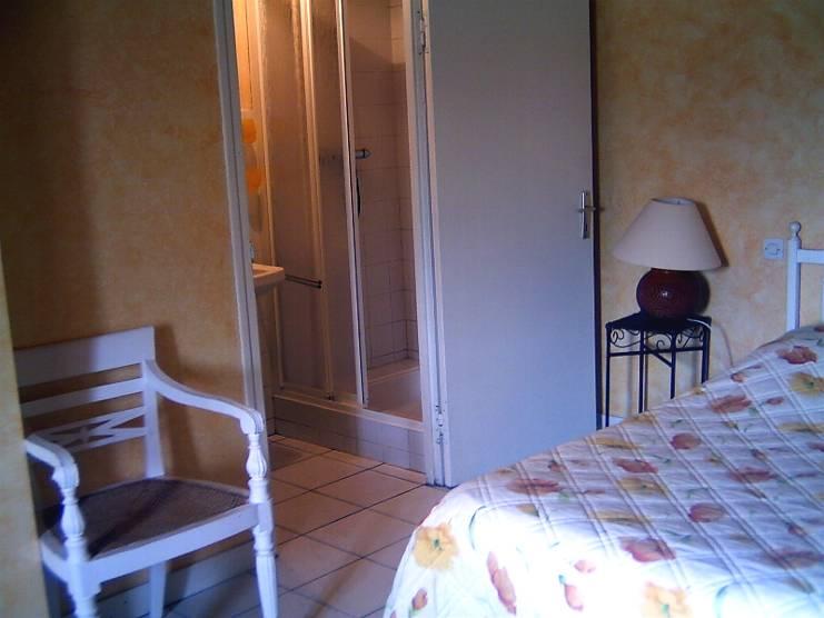 chambres d 39 h tes ferme de kern vez chambres cl der dans le finist re 29 10 km de roscoff. Black Bedroom Furniture Sets. Home Design Ideas