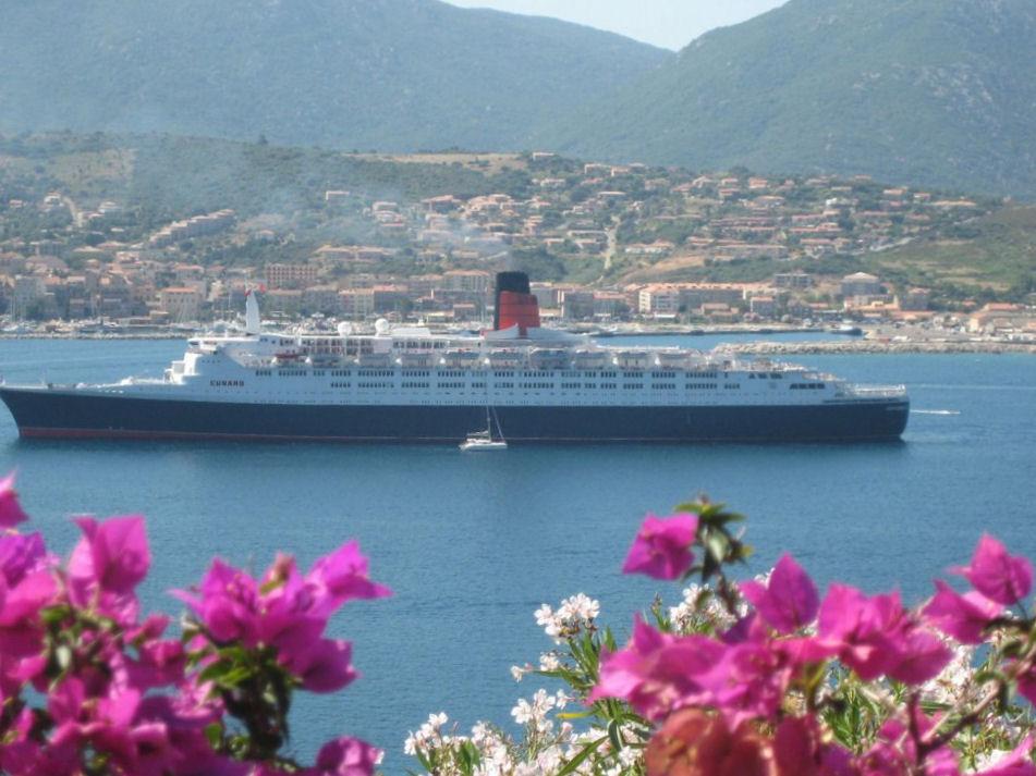 Villa vetricella chambres d 39 h te vue mer camere nei - Chambre d hote corse du sud bord de mer ...