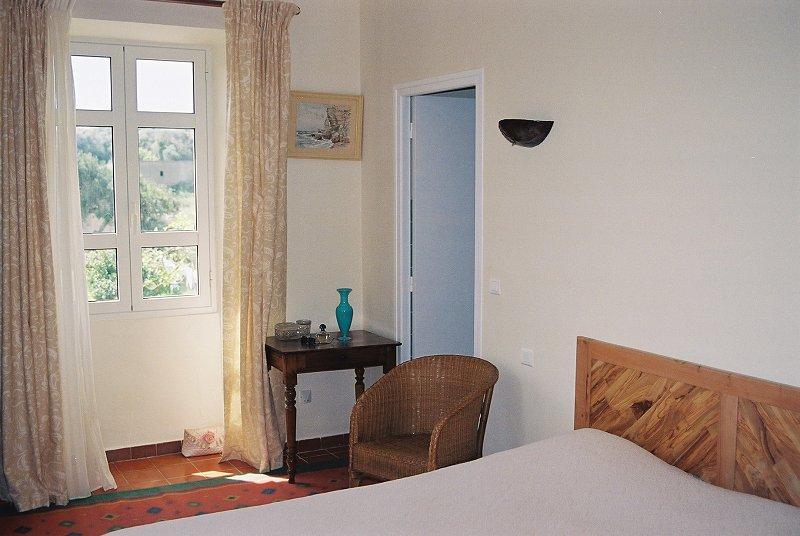 chambres d 39 h tes a loghja di cavallo morto chambres d 39 h tes bonifacio extr me sud de la corse. Black Bedroom Furniture Sets. Home Design Ideas