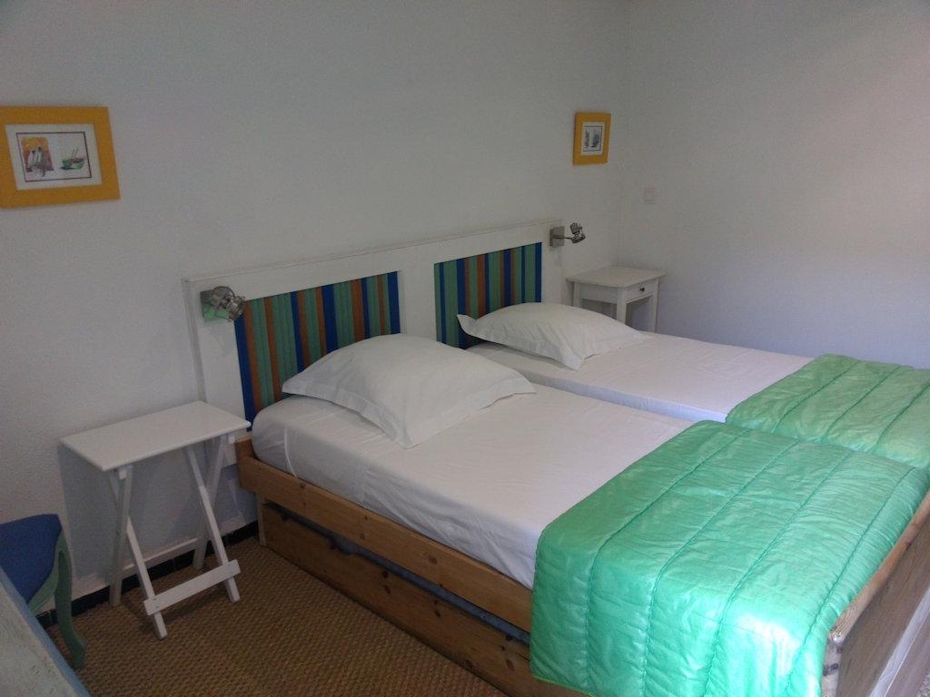 Bleus matines chambre d 39 h tes chambres d 39 h tes caveirac for Chambre d hotes languedoc