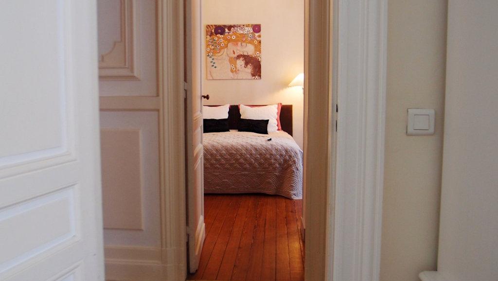 chambres d 39 h tes la maison bleue bordeaux chambres bordeaux en gironde 33 bordelais. Black Bedroom Furniture Sets. Home Design Ideas