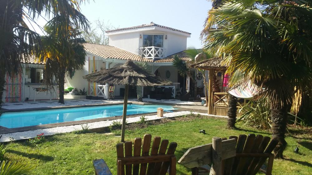 Bed breakfast l 39 hacienda golf spa bedrooms in gujan for Apart hotel arcachon
