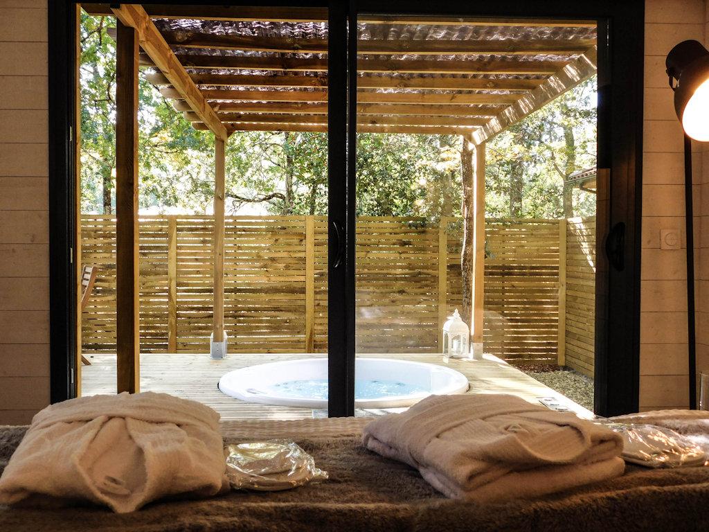 Bed breakfast l 39 haute en couleur cabanes spas bedrooms for Chambre haute
