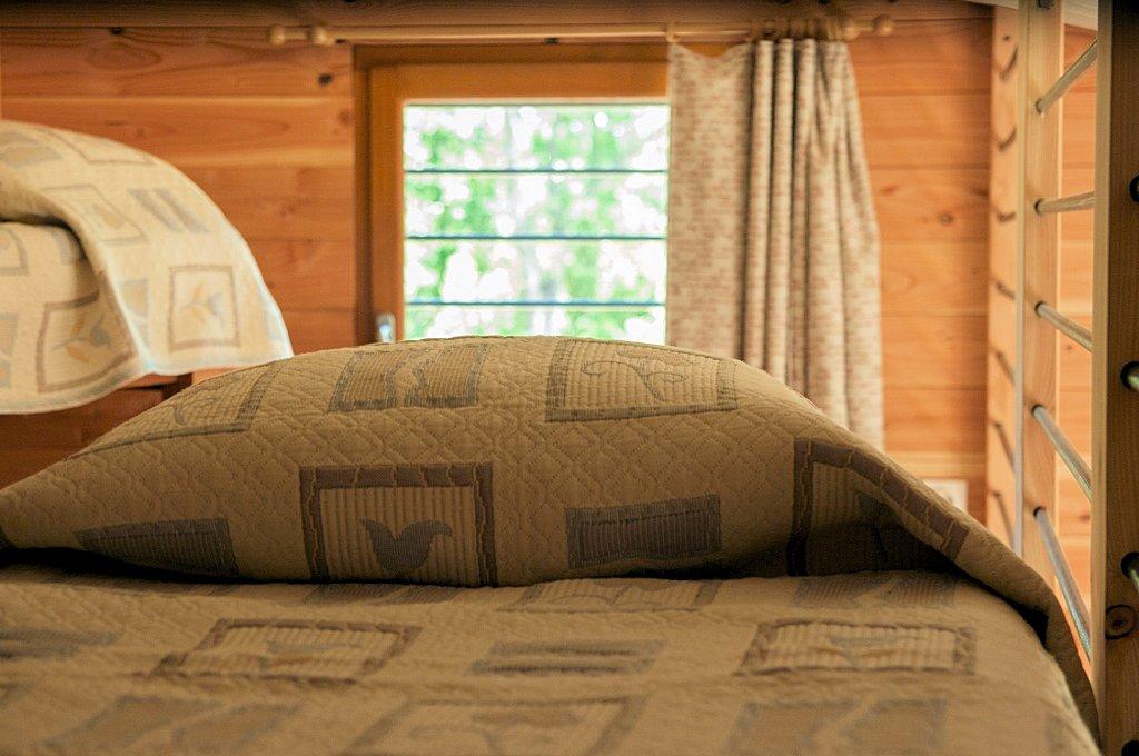 Chambres d 39 h tes mas de font chaude chambres clermont l 39 h rault lac du salagou - Chambre d hote lac du salagou ...