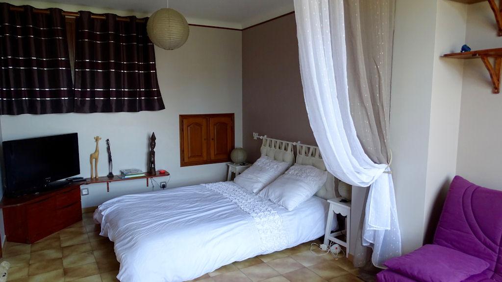 chambres d 39 h tes bri 39 g te zimmern villeneuve l s maguelone languedoc roussillon camargue. Black Bedroom Furniture Sets. Home Design Ideas