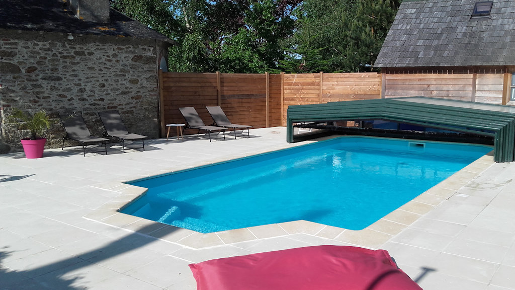 Bed breakfast manoir de la baronnie kamers b b saint malo for Piscine ibiza perpignan