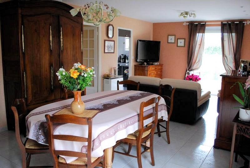 Chambres d 39 h tes roses de la baie chambres et chambre - Chambre hotes mont saint michel ...