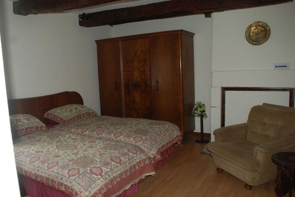 chambres d 39 h tes fleury chambres trans la for t en ille et vilaine 35 12 km de combourg. Black Bedroom Furniture Sets. Home Design Ideas
