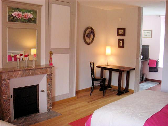 chambres d 39 h tes guest house la source chambres d 39 h tes saint denis sur loire blois. Black Bedroom Furniture Sets. Home Design Ideas