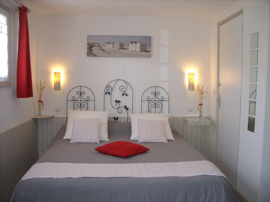 chambre d 39 h tes l 39 pilobe room langeac. Black Bedroom Furniture Sets. Home Design Ideas