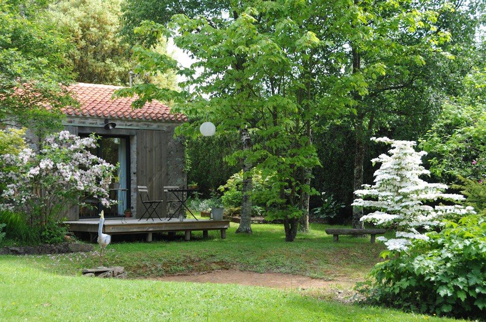 chambre d 39 h tes le jardin de la terrousais chambre saint etienne de montluc en loire. Black Bedroom Furniture Sets. Home Design Ideas