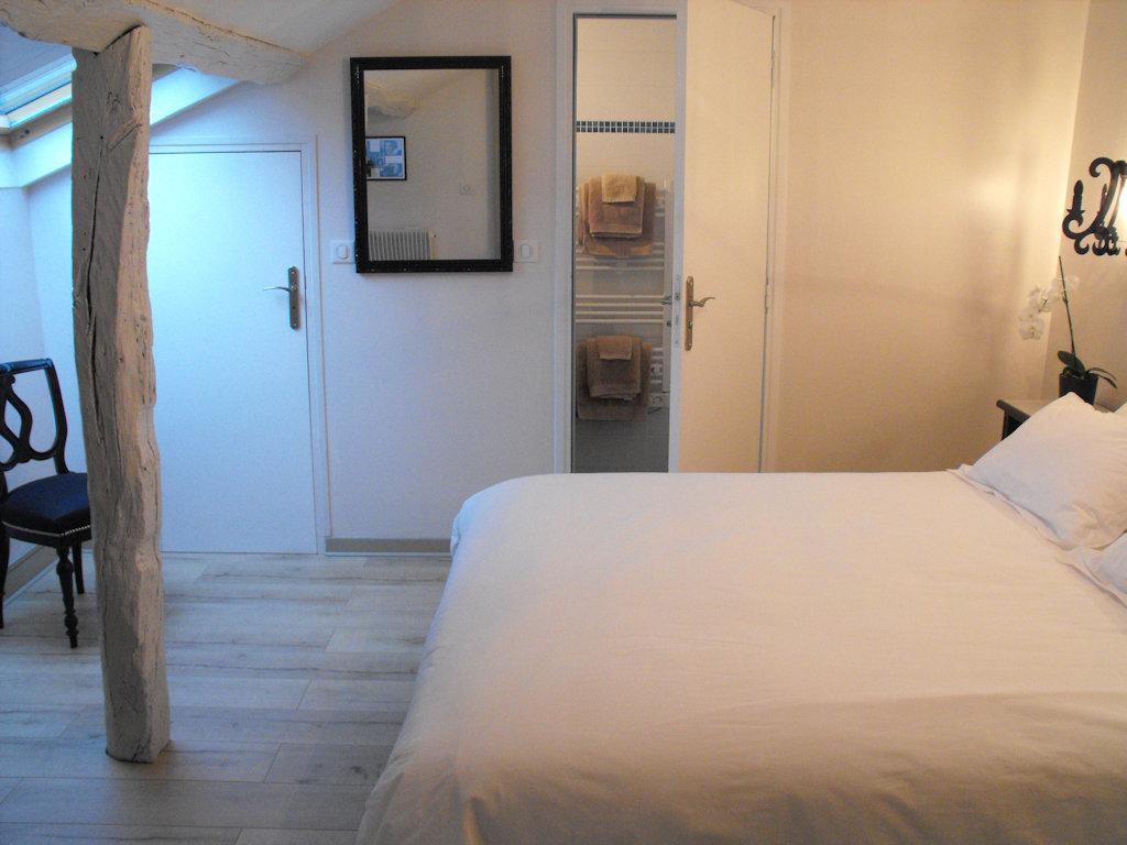 chambres d 39 h tes le patio saint marceau chambre et suite orl ans dans le loiret 45 r gion. Black Bedroom Furniture Sets. Home Design Ideas