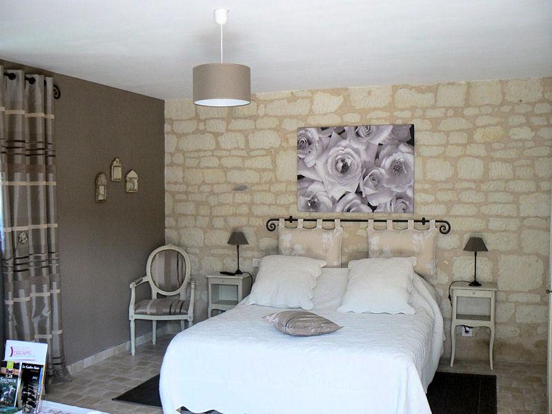 chambres d 39 h tes les pierrines proche saumur chambre et chambre familiale les ulmes la. Black Bedroom Furniture Sets. Home Design Ideas