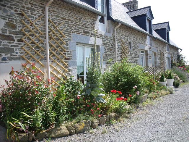 Chambre pr s du mont saint michel au petit villeneuve for Au jardin st michel pontorson france