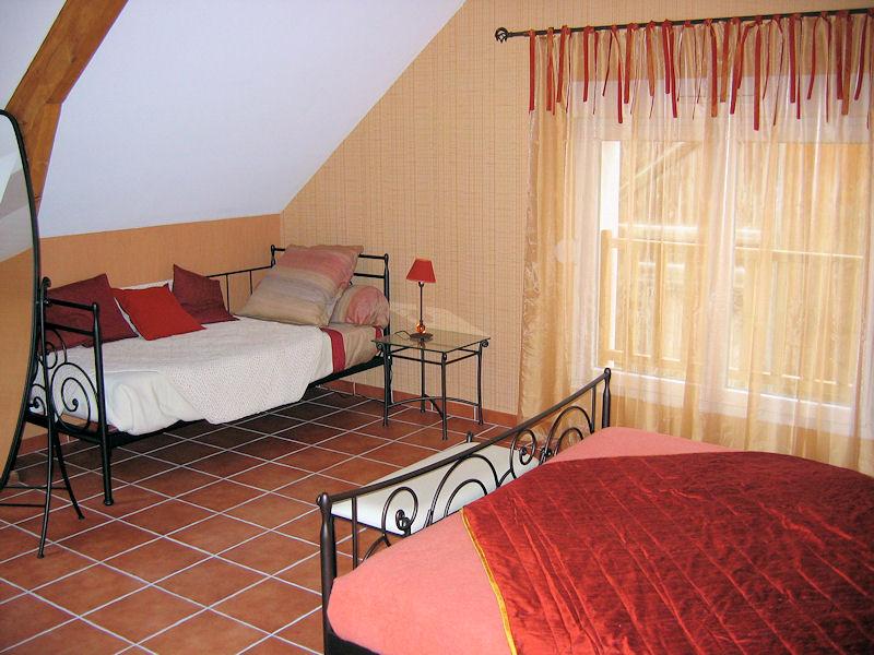 chambres d 39 h tes champagne pierre trichet chambres d 39 h tes trois puits vignoble de champagne. Black Bedroom Furniture Sets. Home Design Ideas