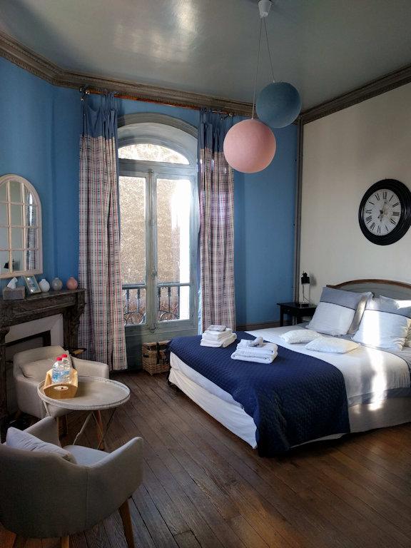 chambres d 39 h tes la poterne chambres et suite pernay champagne. Black Bedroom Furniture Sets. Home Design Ideas