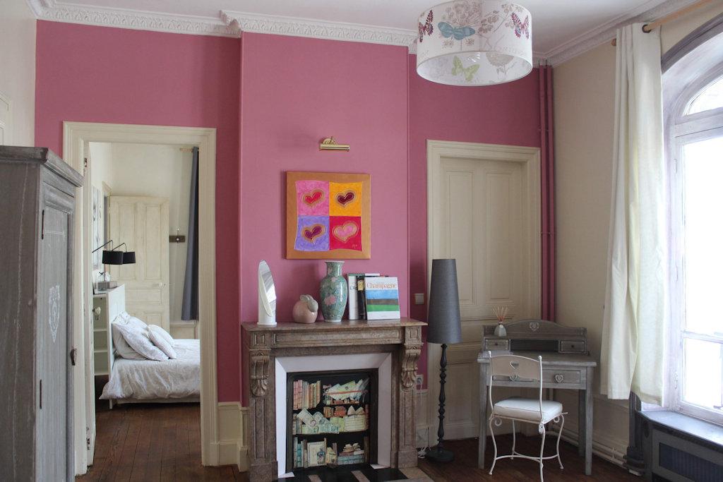 chambres d 39 h tes la poterne chambres d 39 h tes pernay champagne. Black Bedroom Furniture Sets. Home Design Ideas